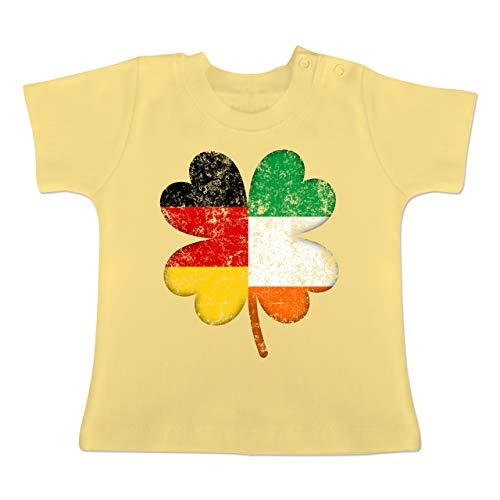 Elf Irland Kostüm - Anlässe Baby - Deutschland Irland Kleeblatt - 3-6 Monate - Hellgelb - BZ02 - Baby T-Shirt Kurzarm