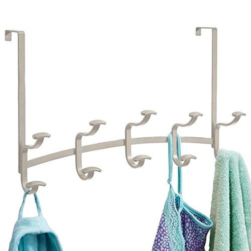 mDesign Hakenleiste zum Hängen über die Tür mit 10 Haken für Mäntel, Hüte, Bademäntel, Handtücher - Satiniert