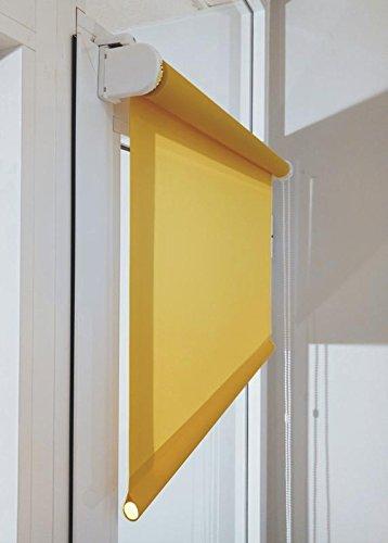 Estor enrollable a medida TRANSLÚCIDO PREMIUM con fijación SIN PERFORAR a ventana abatible o puerta (permite paso de luz, no permite ver el exterior/interior). Color amarillo mostaza. Medida 125cm x 120cm para ventanas abatibles y puertas.