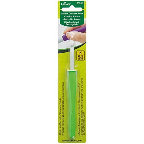 Clover 6.5 mm Amour Crochet Hook by