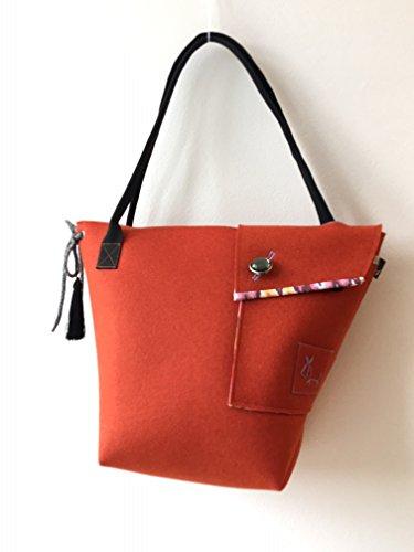 umhangetasche-aus-wollfilz-greta-trendig-edle-henkeltasche-fur-damen-als-zeitloses-accessoire-oder-z