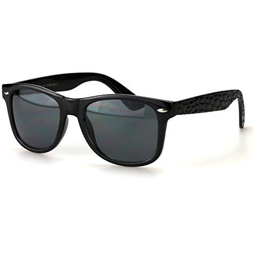 Schwarz Im Retro-design (Sense42 Retro Sonnenbrille mit Bügel im Alligator Design Schwarz, Nerdbrille Wayfarer-Stil Damen Herren Unisex mit Brillenbeutel)