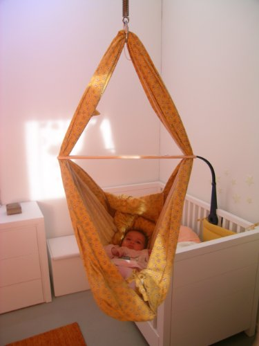 Dondolo-Baby-Hängematte Blumenwiese gelb Federwiege