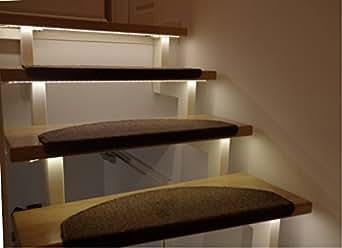 escalier clairage led pour l 39 int rieur bleu pour 1. Black Bedroom Furniture Sets. Home Design Ideas