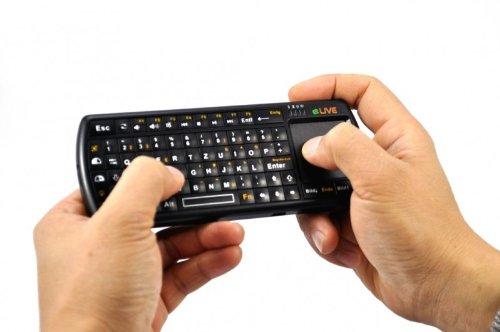 ELIVE Bluetooth 2.0 Micro Tastatur mit LED Taschenlampe fuer Ihr HTPCs Smartphones Media PCs Playstation 3 Mac OsX Linux System uvm