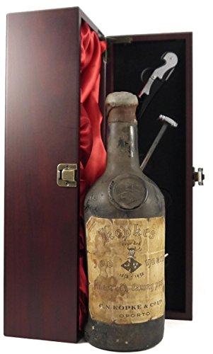 1938 Kopke 300 Years Finest old Tawny Port 1638-1938 75cl in Weinschatulle,Satin ausgekleidet,mit...