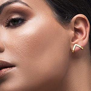 Geometrische Ohrringe, Gold minimalistische Ohrringe, 925 sterlingsilber chevron Dreieck-Ohrstecker, hängende Ohrringe, hypoallergene Ohrringe von Emmanuela