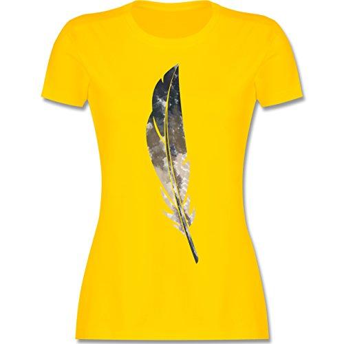 Statement Shirts - Wasserfarben Feder - tailliertes Premium T-Shirt mit Rundhalsausschnitt für Damen Gelb