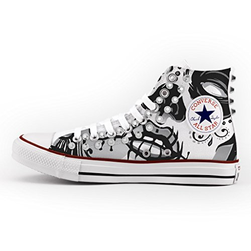 Converse All Star Sneaker, mit silbernen Nieten personalisiert, Motiv: Totenkopf, mehrfarbig - mehrfarbig - Größe: normale