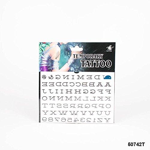 *Tattoos mit dem Alphabet in großen Druckbuchstaben und Zahlen von 1-9
