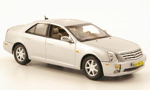 cadillac-sts-silber-2005-modellauto-fertigmodell-norev-143