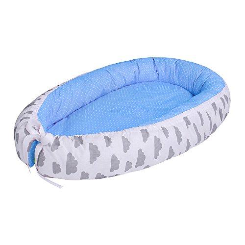 LULANDO multifunktionales Babynest Kuschelnest Babynestchen (80 x 45 cm). Weiches und sicheres Baby-Reisebett Babybett Nestchen für Neugeborene, Farbe:Grey Clouds / Dots Blue