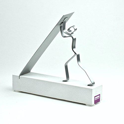 vor-dem-erfolg-sandstein-und-zink-skulptur-01aef2