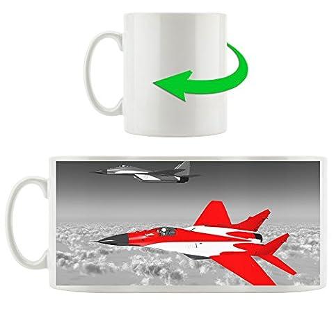 Deux avions de chasse au-dessus des nuages ??noir / blanc, motif tasse en blanc 300ml céramique, Grande idée de cadeau pour toute occasion. Votre nouvelle tasse préférée pour le café, le thé et des boissons chaudes.