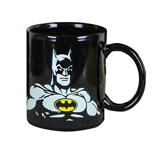 Paladone DC Comics Thermoeffekt-Tasse Batman schwarz, Bedruckt, aus 100% Keramik, Fassungsvermögen ca. 315 ml.