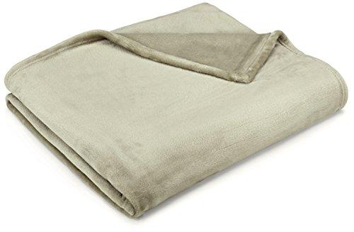 amazonbasics-coperta-vellutata-colore-sabbia