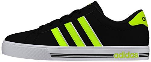 adidas Daily Team, Scarpe da Skateboard uomo Nero (Negbas / AMASOL / Ftwbla)