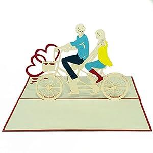 Favour Pop Up Grusskarte - Liebespaar auf Tandem-Fahrrad. Auf kleinstem Raum...