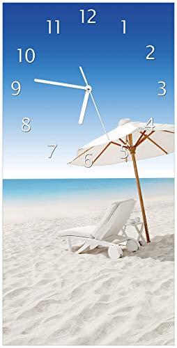 Wallario Design Wanduhr Sonnenliege am weißen Strand unter Blauem Himmel aus Acrylglas, Größe 30...