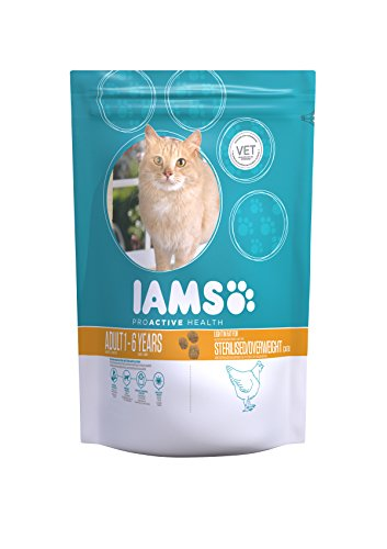 IAMS for Vitality Light in Fat Dry Cat Food with Fresh Chicken for Adult and Senior Cats, 10 kg 1