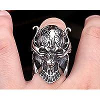Ring shaped skull frightening Size 10