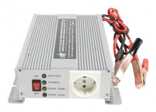 Inversor para batería de 12V de coche y barco. Convierte la tensión de 12V CC a 230V CA. Con este equipo puede conectar cualquier dispositivo de 230V en cualquier lugar. El inversor está equipado con un pico de potencia de salida muy alto y posee la ...