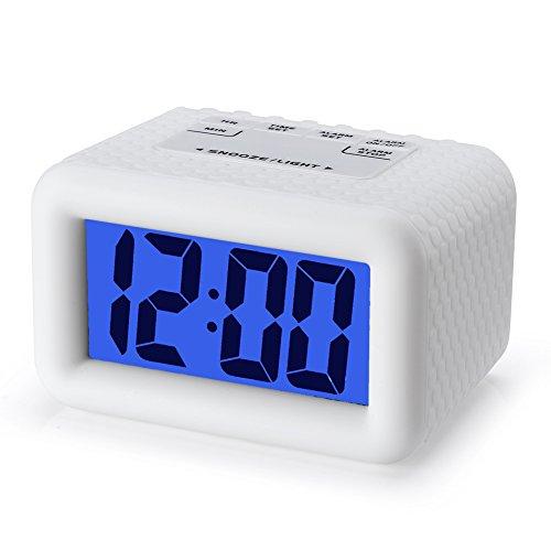 Plumeet Einfach Einzustellen, Großer Digitaler LCD-Reisewecker, mit Schlummermodus und Nachtlicht, Ansteigendem Soundalarm & Handgerät-Größe, Bestes Geschenk Für Kinder (Weiß)