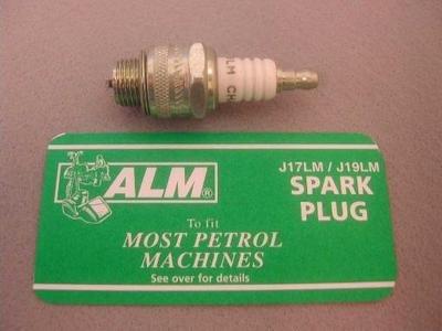 Spark Plug: J17LM/J19LM per adattarsi alla maggior parte tosaerba e coltivatori. supercedes Plug numeri J8, 1, j8j e J19LM Champion sostituisce Autolite 456, NGK b4lm, ND w14lm-u, e Bosch w9eo