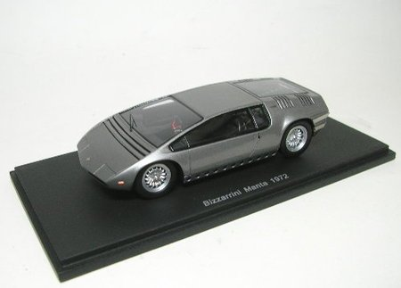 spark-model-s0694-bizzarrini-manta-1972-silver-143-auto-stradali