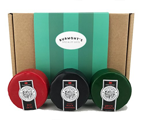 snowdonia-cheese-company-gift-hamper-containing-3-200g-truckles-little-black-bomber-red-devil-green-