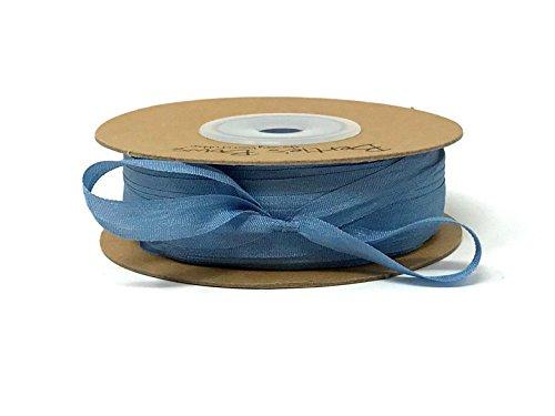 Berties' Bows-Seidenband, blau / grau, 7 mm, 100 % Naturseide, 3 m Länge (dies ist ein Schnitt von einer Rolle, präsentiert auf einer Karte mit Schleifen) -