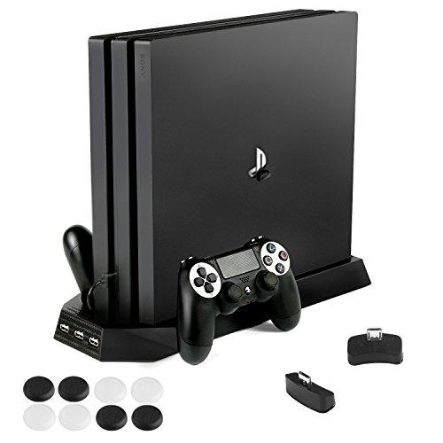 PECHAM PS4 Pro Stand Verticale con ventola di raffreddamento Dual Controller Base di ricarica per Sony PlayStation 4 Pro Console di gioco Dualshock 4 con Extra Hub 3 Porte USB– Nero