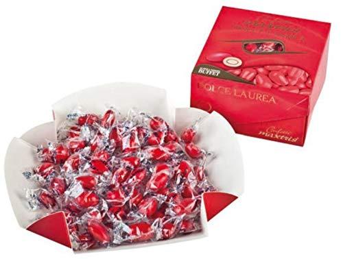 Confezioni vassoio da gr. 500 di Confetti Maxtris classico, Mandorla tostata avvolta da un doppio strato di cioccolato fondente e bianco, ricoperta da un sottile strato di zucchero incartati singolarmente.