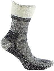 Calcetín de LANA MERINO de TREKKING, con costuras técnicas, ideal para deportes de invierno (esquí, running, snowboarding, senderismo, pesca …), o situaciones de frío y humedad. También son idóneos para el uso con botas de montaña. Lana Merino. (GRIS, EU: 39 - 42 // UK: 6 - 8.5)