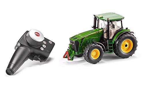 Siku 6881, Ferngesteuerter John Deere 8345R Traktor, 1:32, Inkl. Fernsteuermodul, Metall/Kunststoff, Batteriebetrieben, Kompatibel mit Anbaugeräten, Grün