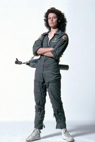 Moviestore Sigourney Weaver als Ripley in Alien 91x60cm Farb-Posterdruck (Die Alien Archive)