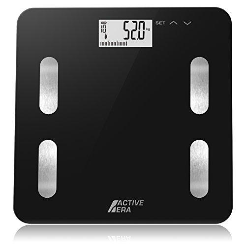Báscula para calcular el peso y la grasa corporal de Active Era: Esta báscula de baño ultrafina de Active Era tiene 4 sensores de peso de alta precisión que ofrecen una exactitud incomparable en stones, kilogramos y libras. Con 10 perfiles de usuario...