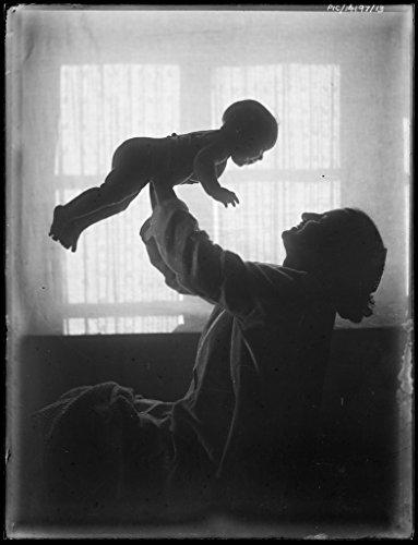 poster-portrait-antoinette-hurley-holding-her-daughter-yvonne-air-1921-australia-wall-art-print-a3-r