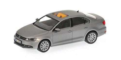 minichamps-400059000-volkswagen-jetta-massstab-143-metallic-grau