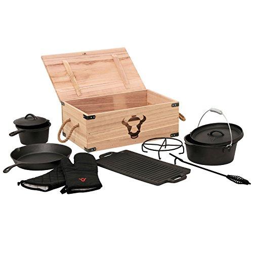 BBQ-Toro 8-teiliges Dutch Oven Set in Holzkiste, Gusseisen, eingebrannt, Töpfe, Pfanne, Handschuhe und mehr -
