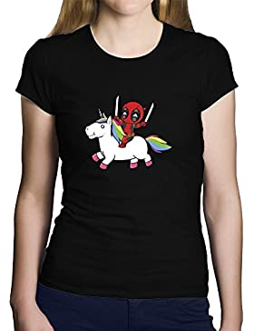 Camiseta Deadpool. Una Camiseta de Mujer con Deadpool en un Unicornio. Camiseta Original de Color Negra
