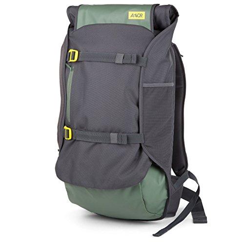 AEVOR Travel Pack Echo Green - Lifestyle Reiserucksack in Handgepäck-Größe erweiterbar auf 45 Liter inklusive abnehm- und verstellbarem Hüftgurt -