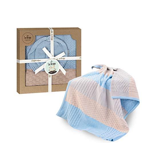 sei Design Baby Decke aus 100{66c478d19724468b0406e75ec4629e4eb4e1f0b798128a026b73b20ecc4d9f40} Baumwolle 90 x 70 | kuschelige Strickdecke + Mütze | Ideal als Erstlingsdecke, Kuscheldecke, Puckdecke für Mädchen in hübscher Geschenk-Verpackung