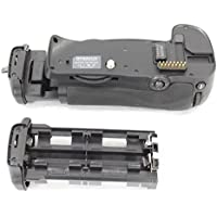 DynaSun D10 Poignée d'Alimentation Batterie Grip pour Appareil Photo pour Nikon D300 D300S D700 compatible MB-D10 MBD10 Avec un magasin pour 8x piles standard ou rechargeables de type AA