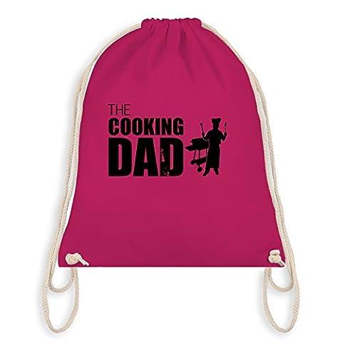Vatertag - The cooking Dad - Unisize - Fuchsia - WM110 - Angesagter Turnbeutel / Gym Bag (Weihnachten Nachrichten Für Den Chef)