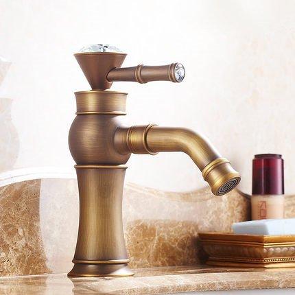vasque-en-cuivre-lavabos-robinets-sous-le-plancher-en-marqueterie-continental-un-lavabo-un-lavabo-av