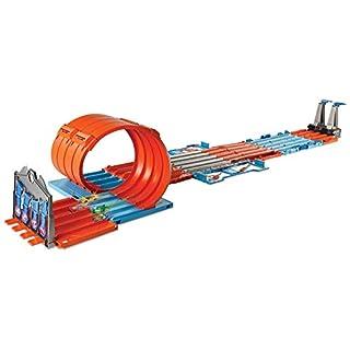 Hot Wheels FTH77 Track Builder Mega Rennbox, Tragbare Spielzeugauto Stunt Kiste mit Tracks und Zubehör, Spielset ab 6 Jahren