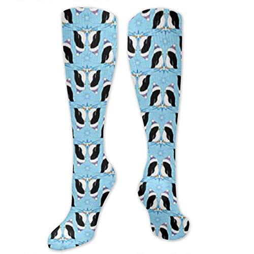 Kostüm Penguin Classic - CVDFVFGB Graduated Football Socks Athletic Tube Stockings - Penguin Pairs in Christmas Hat Mid-Calf Socks