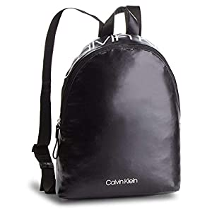 41z1xZ0uk7L. SS300  - Calvin Klein Essentials Mujer Backpack Negro
