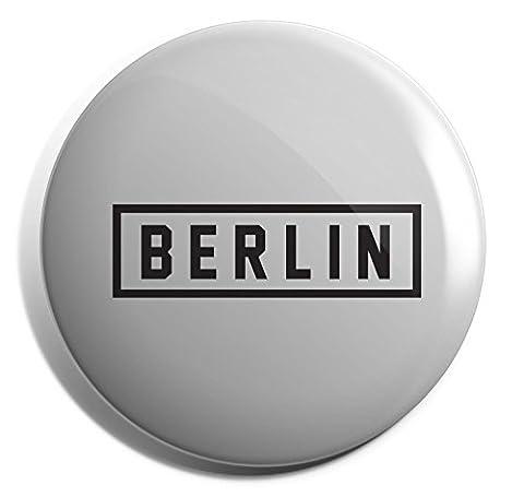 Hippowarehouse Berlin Print Design Badge Pin 25mm